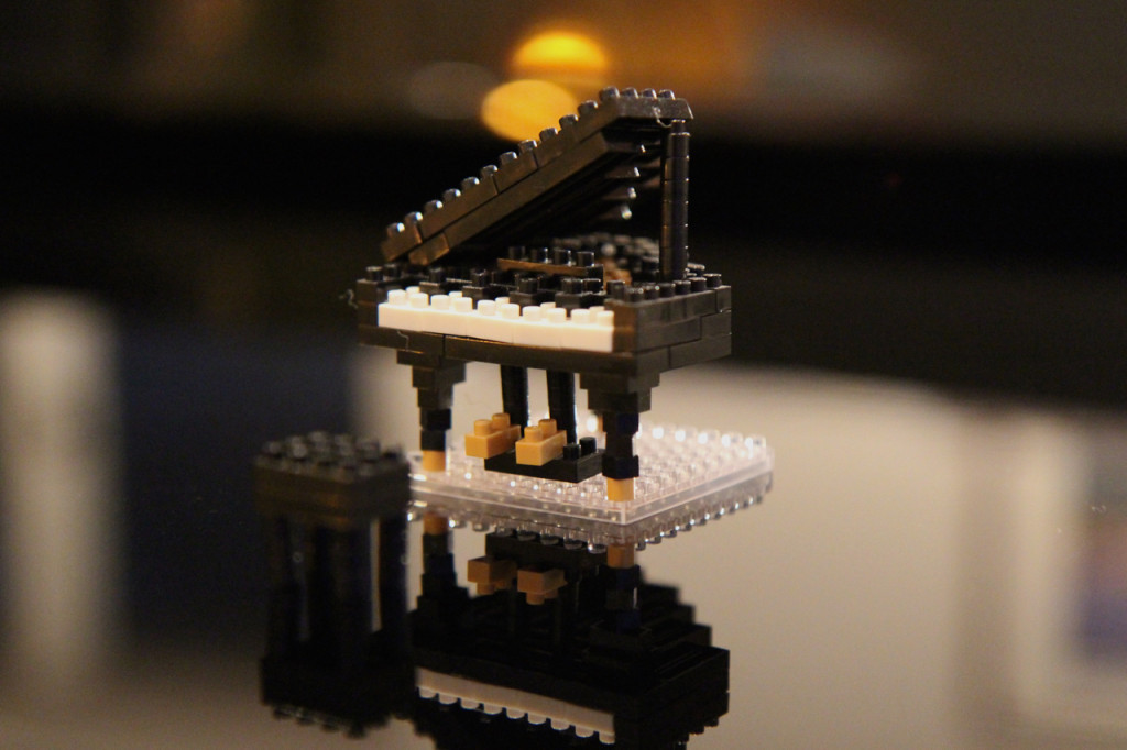 lego-piano-orig